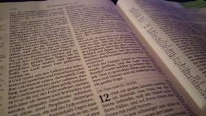 Die Frau und der Drache in Offenbarung 12